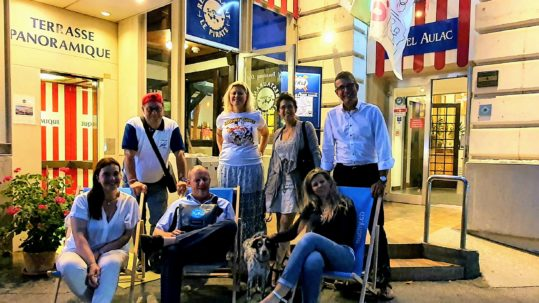Le comité SDIO 2020 devant l'hôtel Aulac à Ouchy.